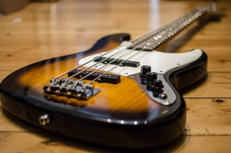 p-bass electric bass