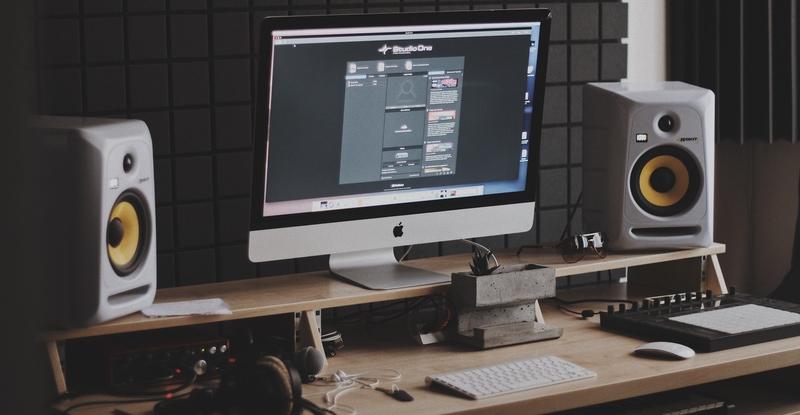 mixing studio speakers